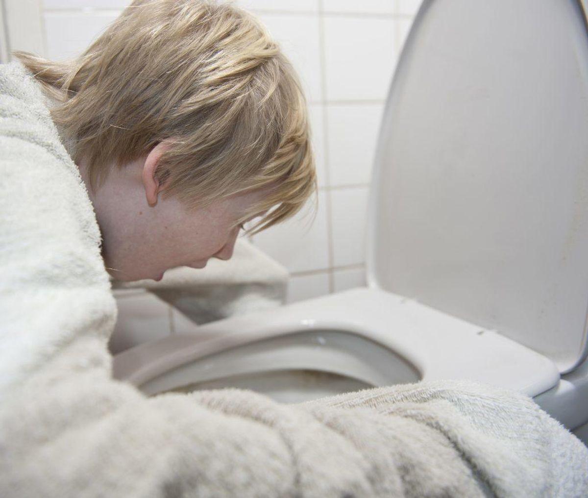 Opkast og diarre et nogle af de symptomer man kan få af Roskildesyge. Foto: Colourbox.