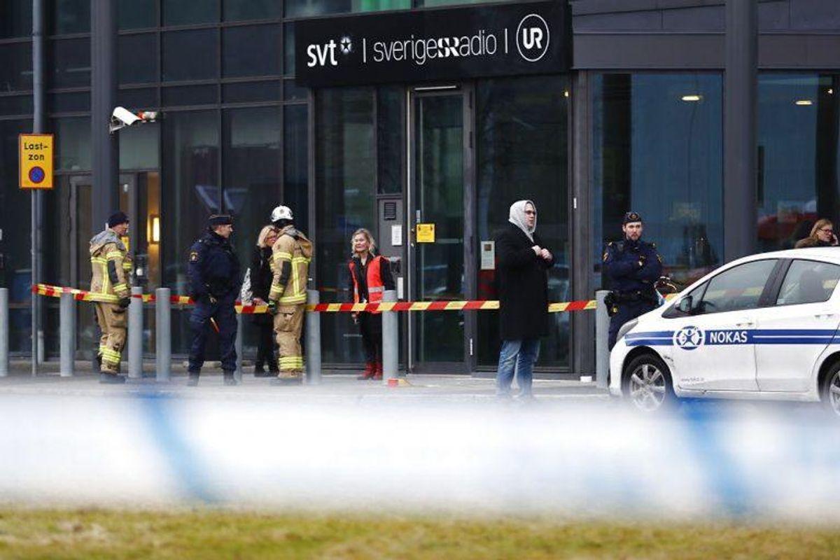 SVTs bygning er evakueret efter en journalist har modtaget en forsendelse med et hvidt pulver. Foto: Thomas Johansson / TT kod 9200