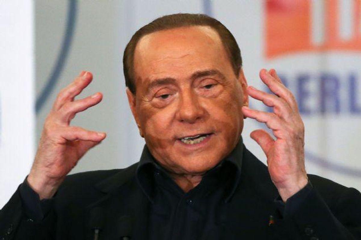 """Tidligere premierminister i Italien Silvio Berlusconi stemte ved lokalvalget i Rom 5. juni. Ifølge sine læger var han dårlig den dag og blev senere indlagt på hospitalet med en hjertefejl og var """"døden nær"""". Arkivfoto Foto: Alessandro Bianchi/Reuters"""