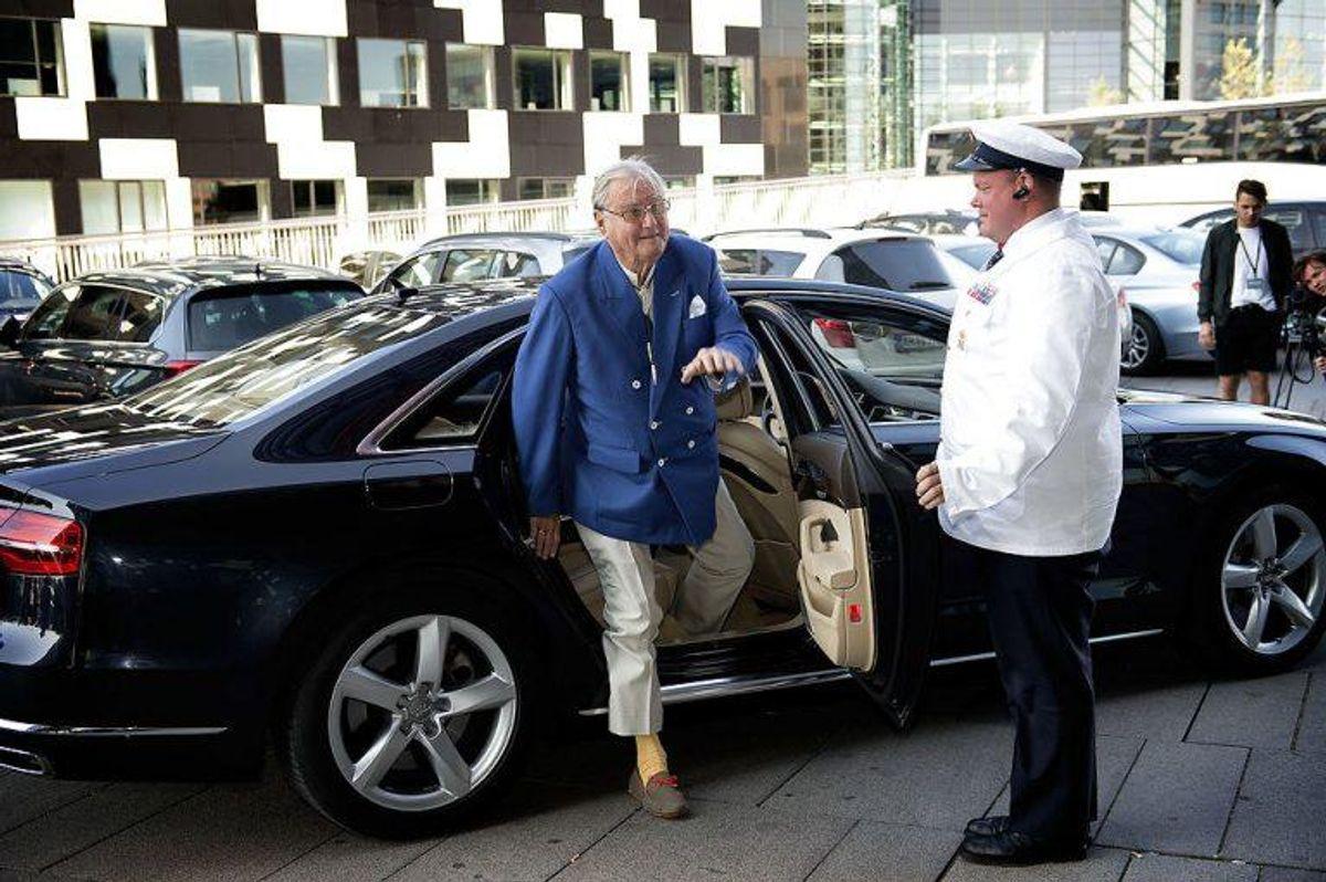 Prins Henrik ankom standsmæssigt til turneringen. I et par timer var han nødt til at forlade den, da han havde en udstilling, han skulle åbne. Foto: Nils Meilvang/Scanpix.