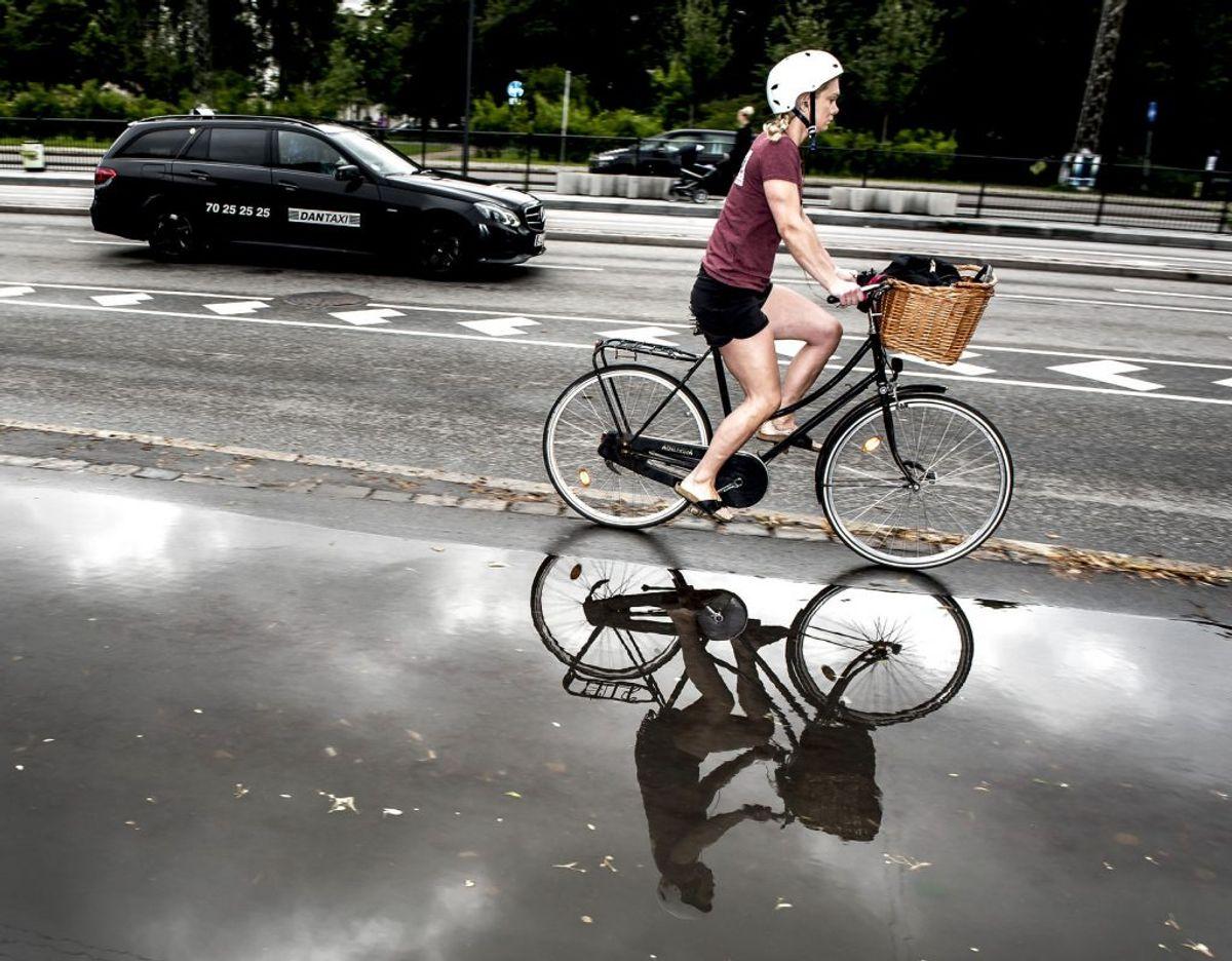 Årets varmeste dag venter. Men der vil falde regn flere steder i landet. (Foto: Mads Claus Rasmussen/Scanpix 2017)
