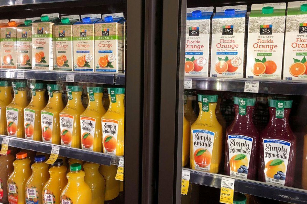 Når du vælger juice i supermarkedet, så er det en god idé at kigge bag på kartonnen. Der er nemlig meget stor forskel på sukkerindholdet. Foto: Lisa Baertlein/Ritzau Scanpix