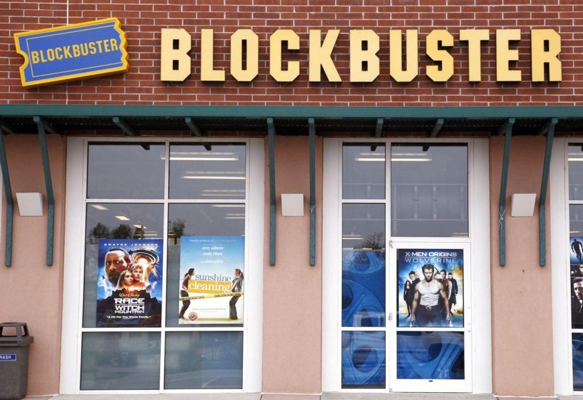 I 90'erne var det normalt at tage ned i den lokale videoudlejning for at finde film til weekenden. Dengang var streaming ikke eksisterende. Foto: REUTERS/Rick Wilking/Scanpix