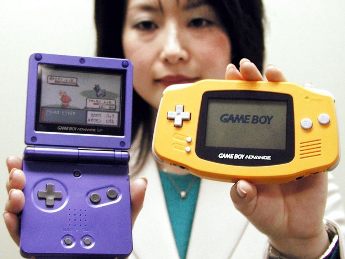 Nintendo var her, der og alle vegne med deres Game Boys. Foto: REUTERS/Keiko Kanai/Scanpix