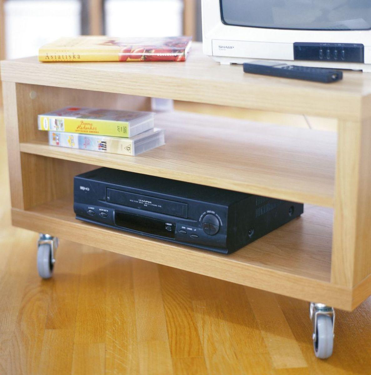VHS-bånd og maskiner var hver dag. Du måtte spole båndet tilbage, hvis du skulle se en film. Foto: Scanpix