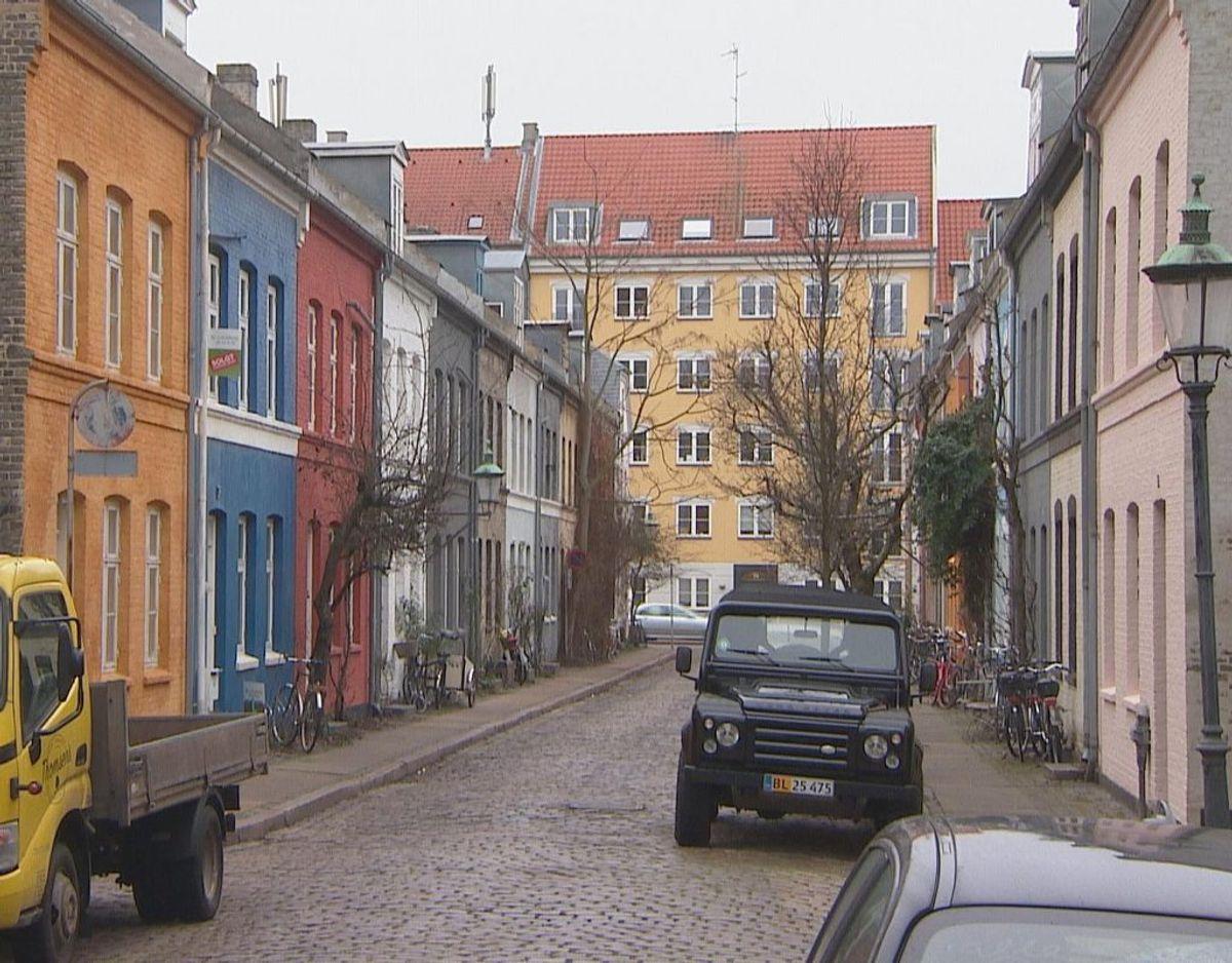 Da en beboer i et rækkehus på Østerbro i vinteren 2020 kappede ledningen til kvarterets fælles strømforsyning, blev det begyndelsen på en større nabostrid. Foto: TV2 Lorry.