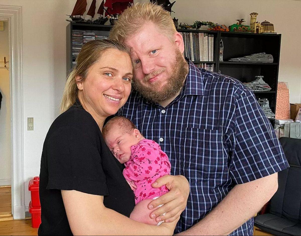 Tomas Tordrup har fået sin kone tilbage til Danmark og parret har fået en lille datter. – Foto: TV2 ØSTJYLLAND/