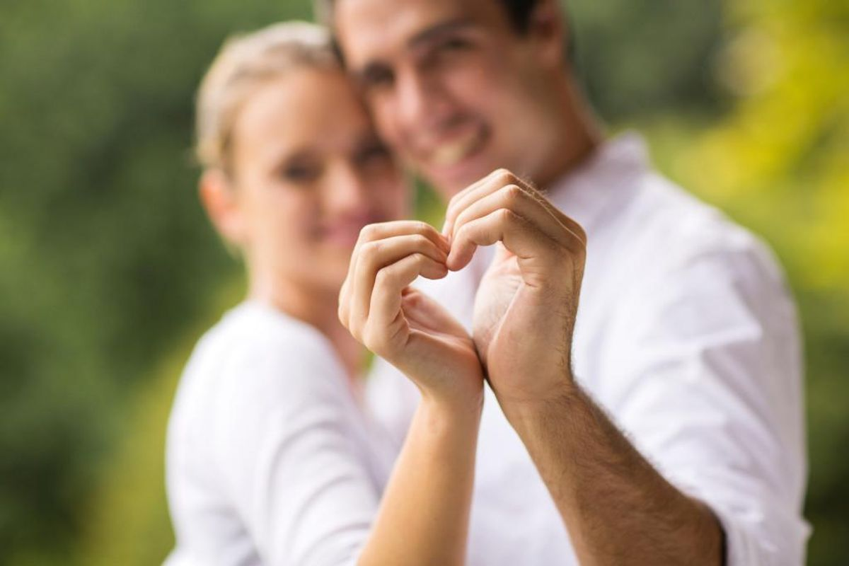 Man skal ikke tro, at kærlighed og kildevand er nok: Der skal arbejdes for det, hvis parforholdet skal lykkes. Foto: Iris/Scanpix