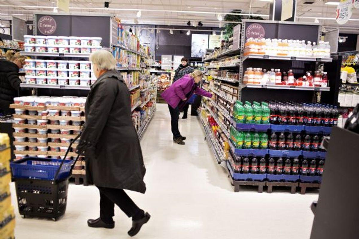 Madspildet i butikkerne svarer ifølge miljøminister, Kirsten Brosbøl (S), til 3000 indkøbsvogne fyldt med mad hver dag. Foto: CHARLOTTE DE LA FUENTE/POLFOTO