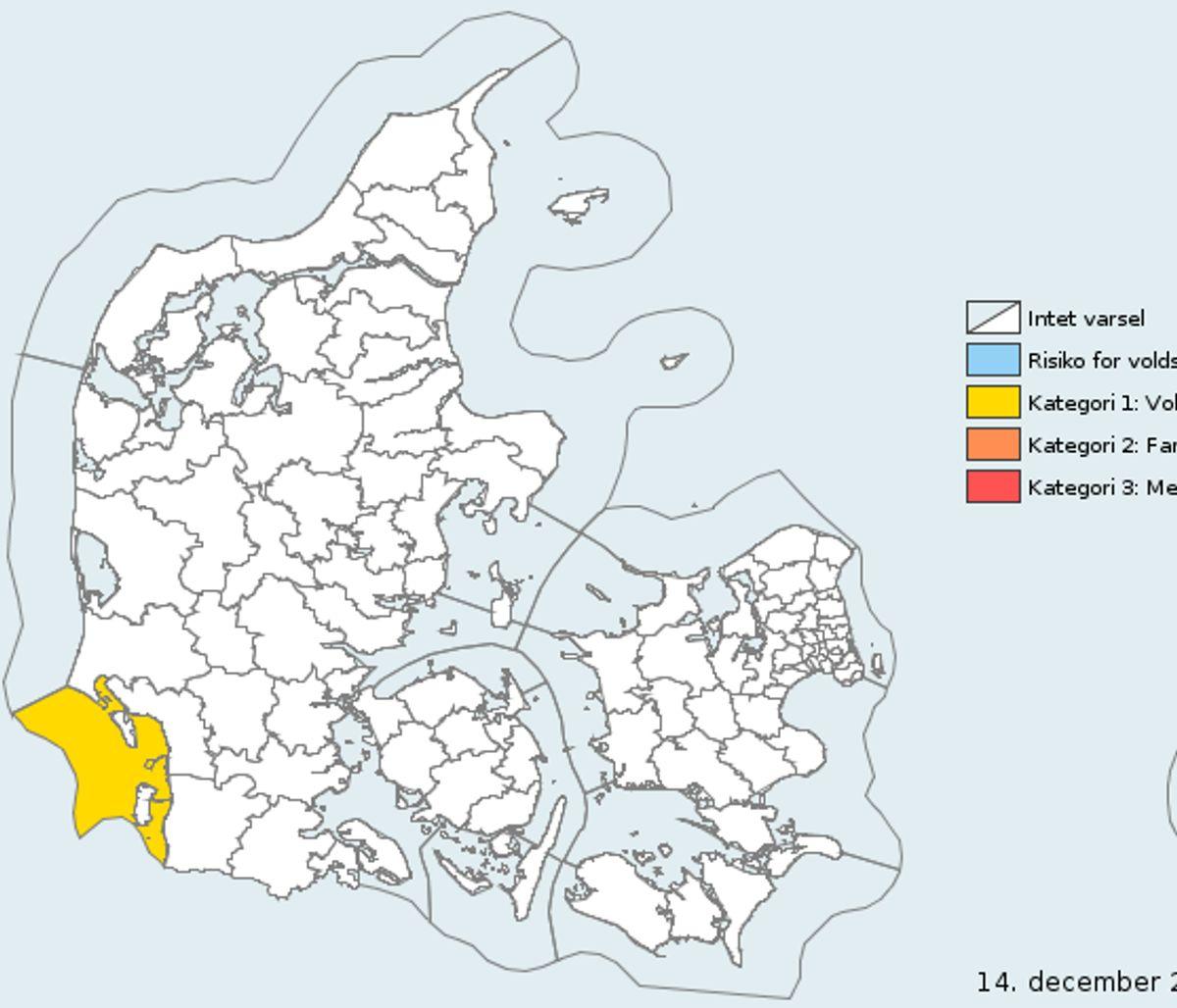 Varslet gælder i det gule område 15.30-17 søndag. Foto: DMI