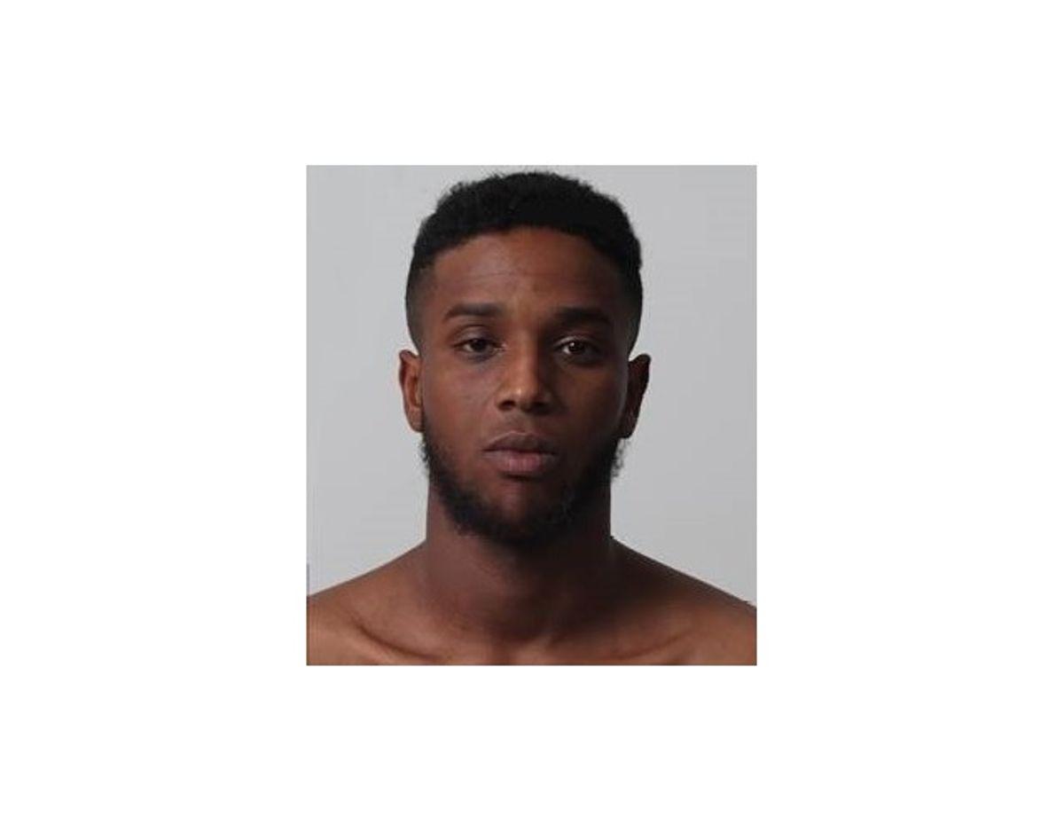 Det er den 24-årige Sharmarke Omar Ali, der efterlyses. Politiet advarer mod at tage kontakt til ham, da han kan være farlig. Foto: Syd- og Sønderjyllands Politi