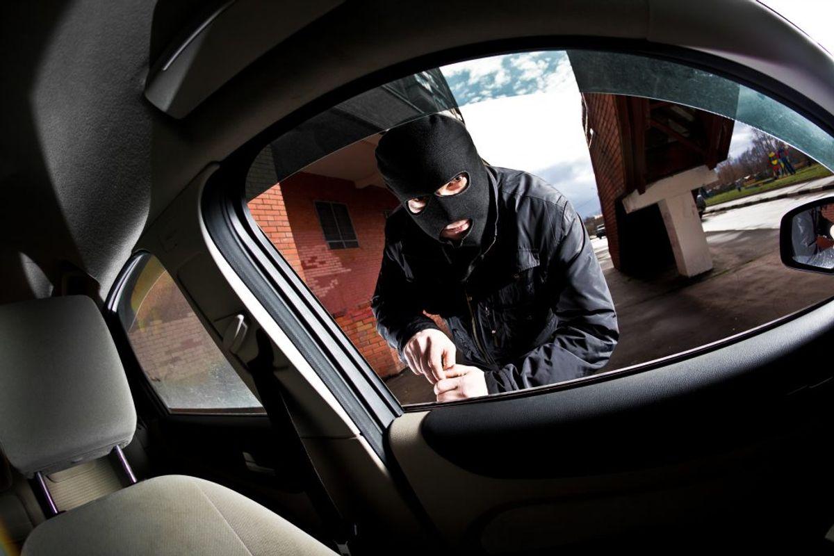 Nu advarer politiet bilejerne mod de mange tyverier. Foto: Colourbox.