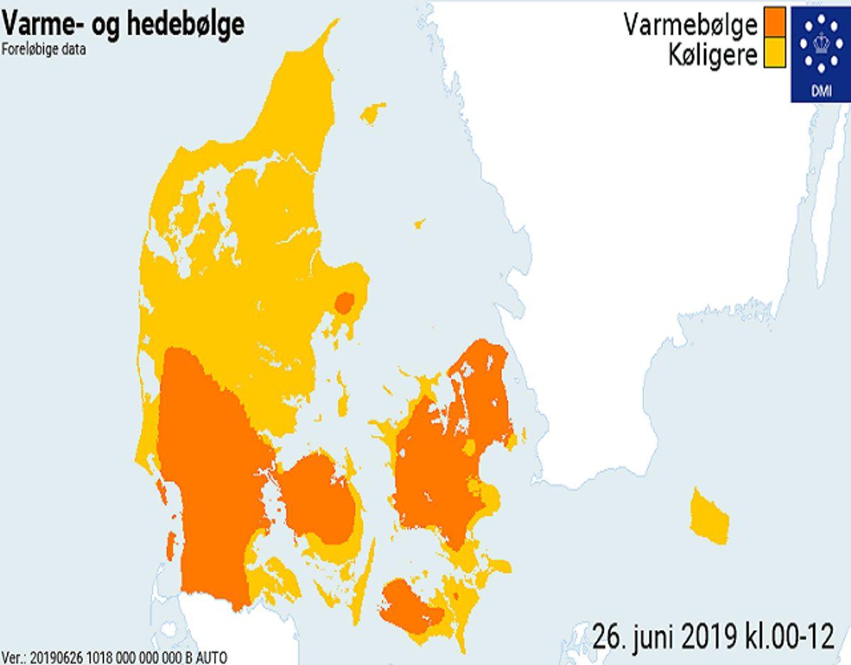 Sådan så der ud klokken 12. Mange danskere bliver udsatte i varmen. KLIK og se, om du tilhører en af risikogrupperne. Der er nok flere, end du regner med. Foto: DMI.
