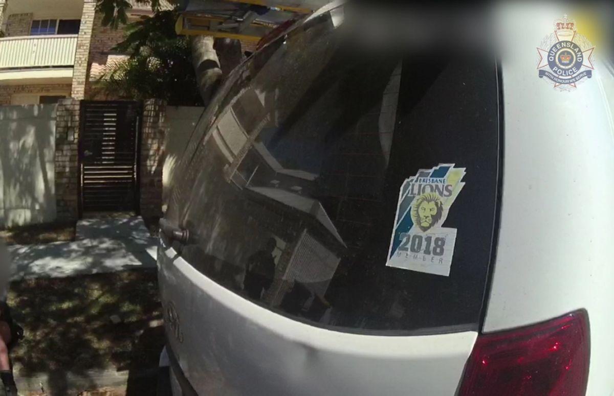 De har også offentliggjort billeder af hans bil med et karakteristisk klistermærke. (Foto: Queensland Police)