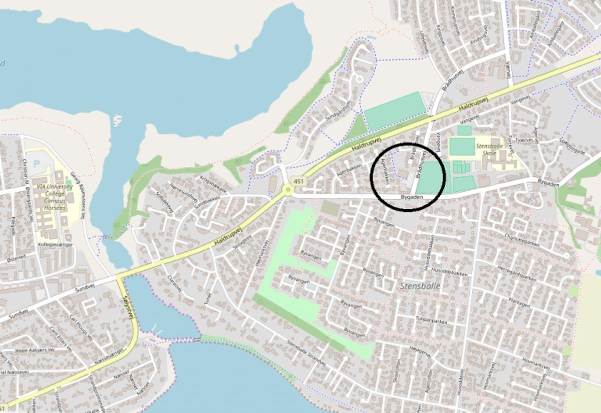 Adressen på Netto i Stensballe. Gerningsmændene forlod stedet i en rød Opel Zafira med franske nummerplader. (Foto: Openstreetmap)
