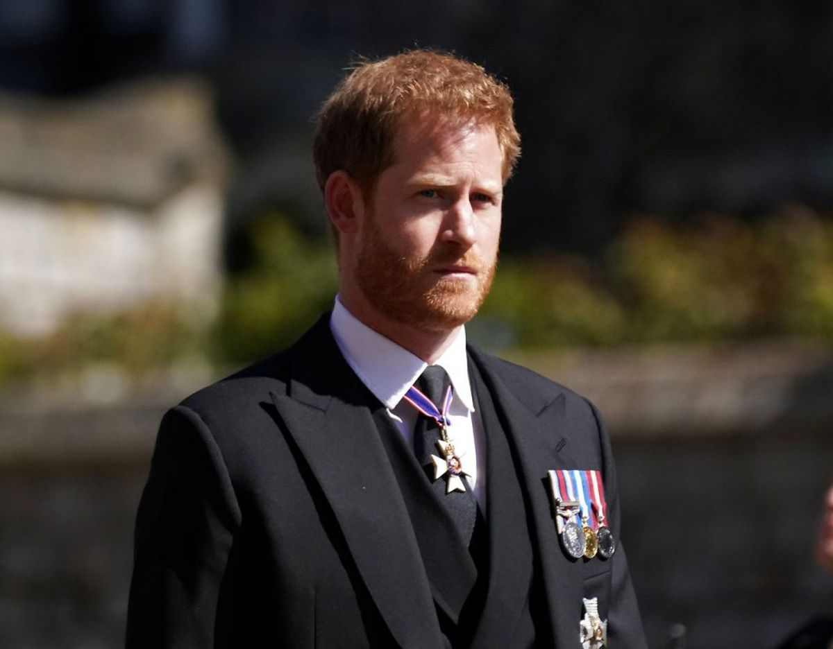 Prince Harry ses her ved sin farfars, prins Philip, begravelse den 17. april. Foto: Scanpix/Victoria Jones/Pool via REUTERS