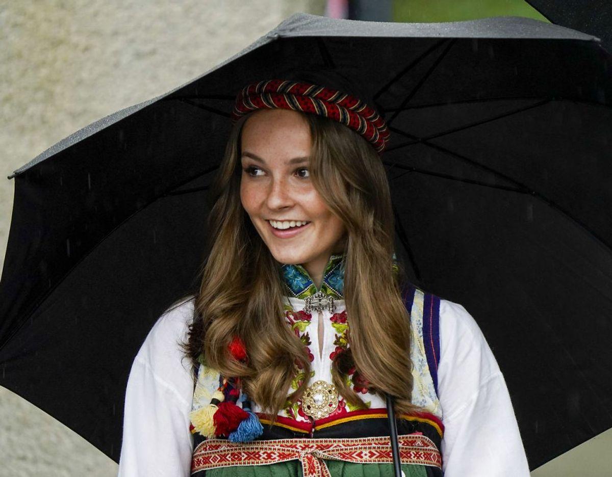 Prinsesse Ingrid Alexandra simpelthen 'stjal' showet, da kongefamilien mandag den 17. maj var med til at fejre nationens nationaldag. Foto: Scanpix/Lise