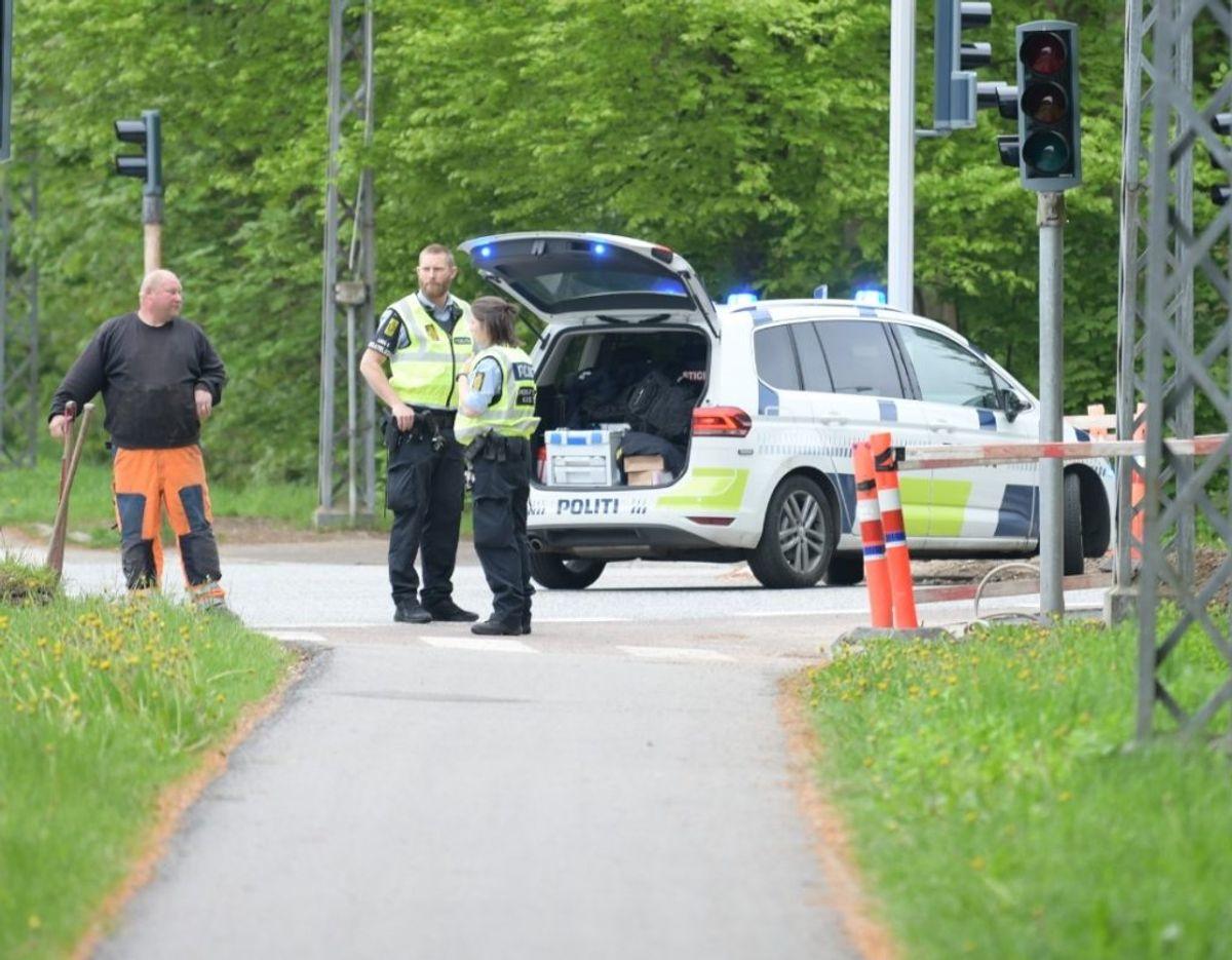 En bil har ramt en cyklist i et kryds i Allerød. Foto: presse-fotos.dk