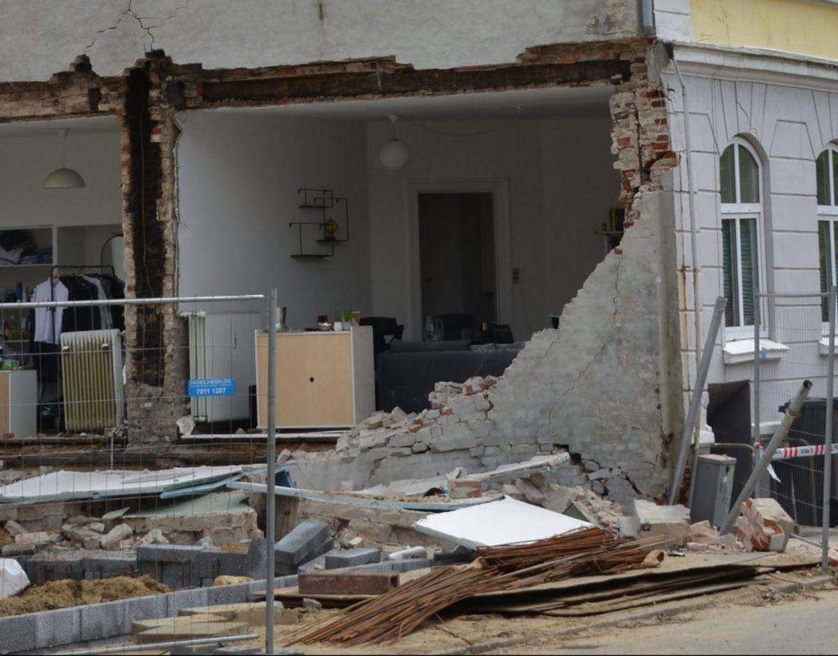 Husgavlen væltede tirsdag den 11. maj. Foto: Peter Langwithz Smith.