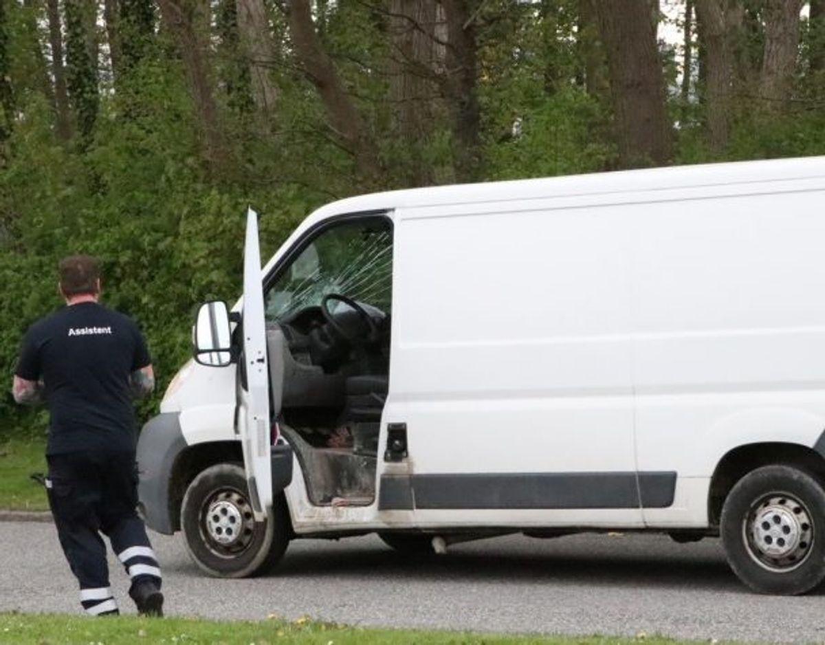 En 36-årig mand i en varebil ramte en kvindelig cyklist mandag. Nu er han sigtet for at have forvoldt ulykken. Foto: presse-fotos.dk