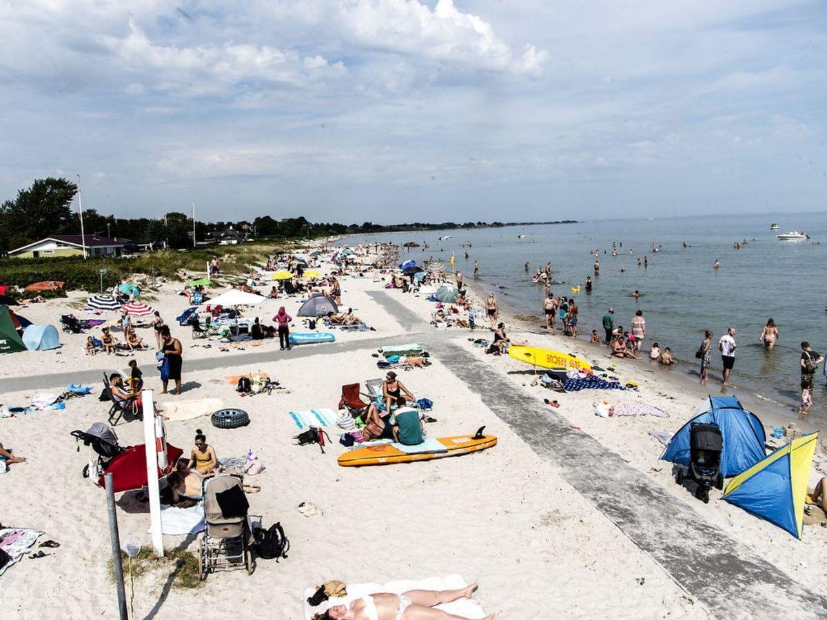 Der er gode muligheder – i hvert fald rent vejrmæssigt – for at tage til stranden. (Foto: Helle Arensbak/Ritzau Scanpix)
