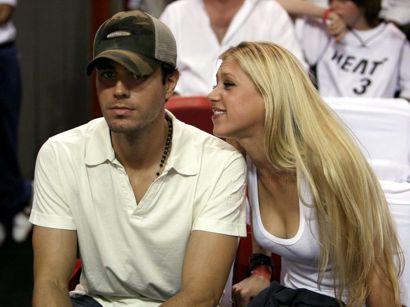 Mandag fylder Anna Kournikova 40. Her med kæresten Enrique Iglesias. Foto: Lucy Nicholson/Scanpix