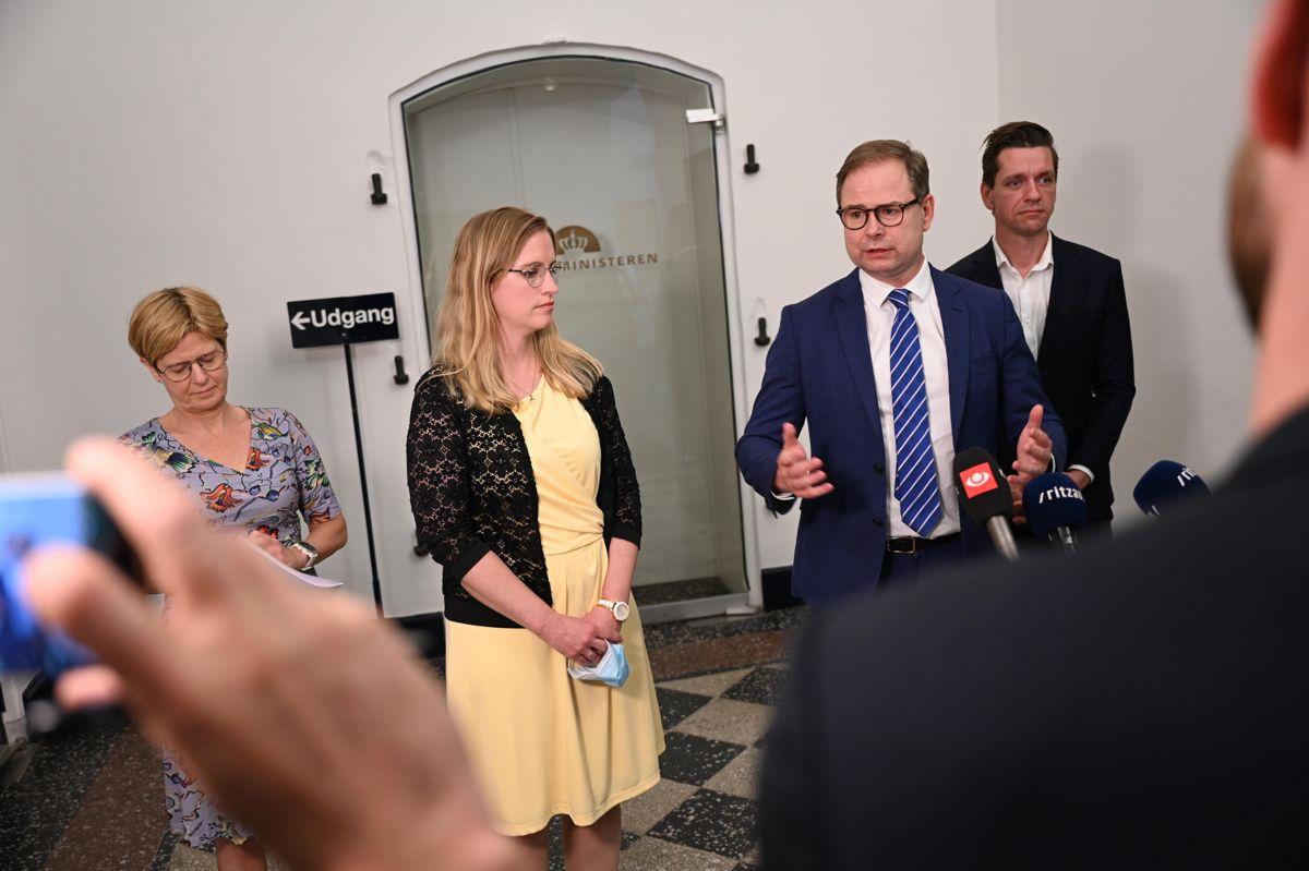 Finansminister Nicolai Wammen (S) har holdt forhandlinger om en økonomiaftale med regionerne for 2022 i Finansministeriet.