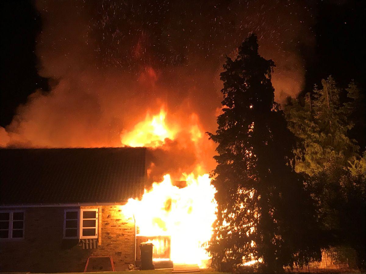 Årsagen til branden er ukendt. Foto: Presse-fotos.dk.