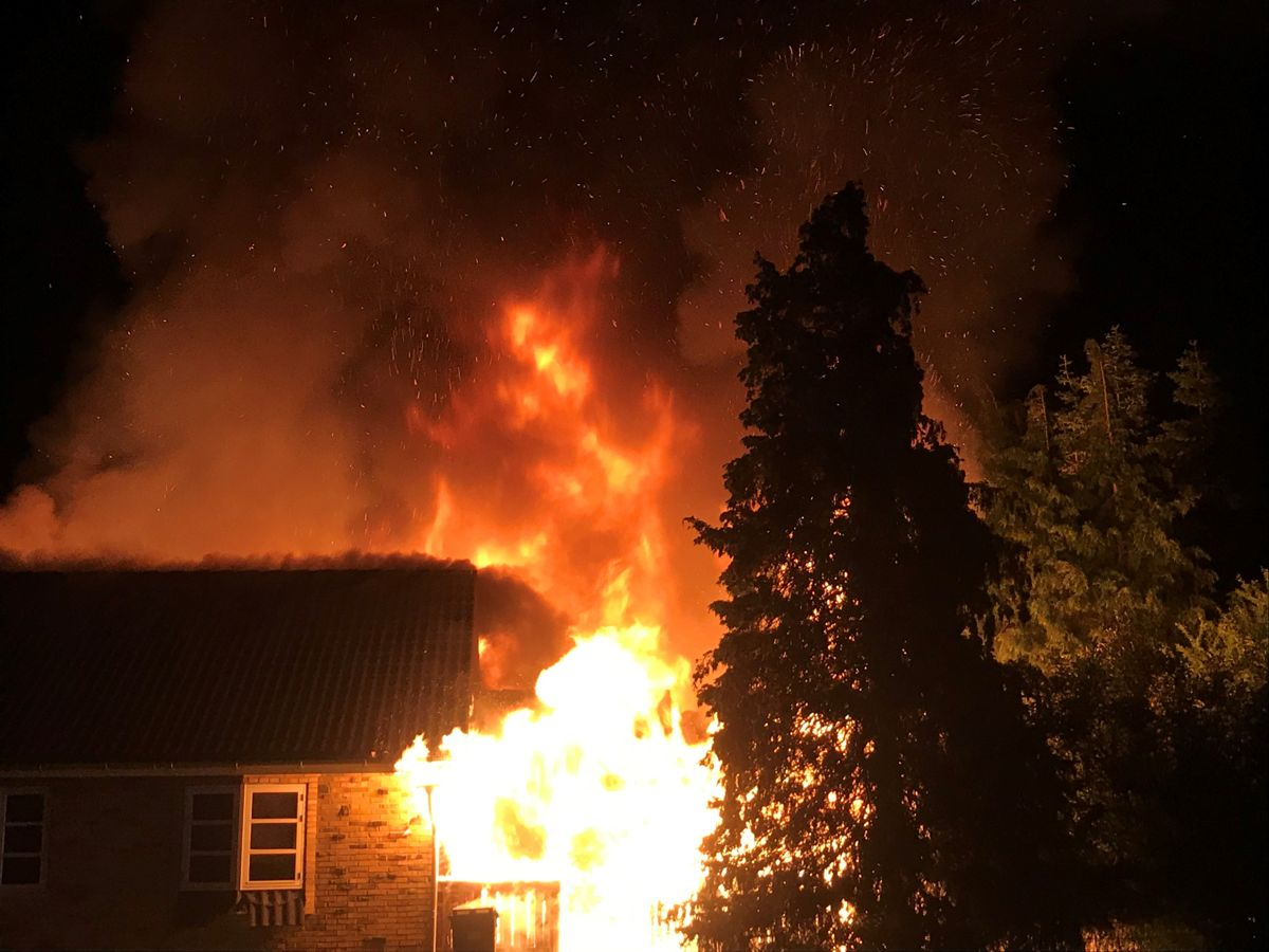 Brandårsagen skal nu undersøges. Foto: Presse-fotos.dk.