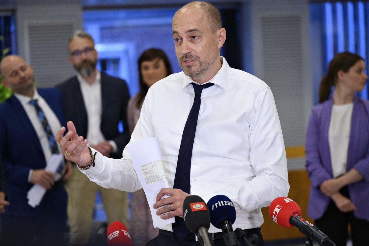 Sundhedsminister Magnus Heunicke (S) og kollegerne var sent oppe, før der natten til torsdag blev landet en aftale om yderligere genåbning.