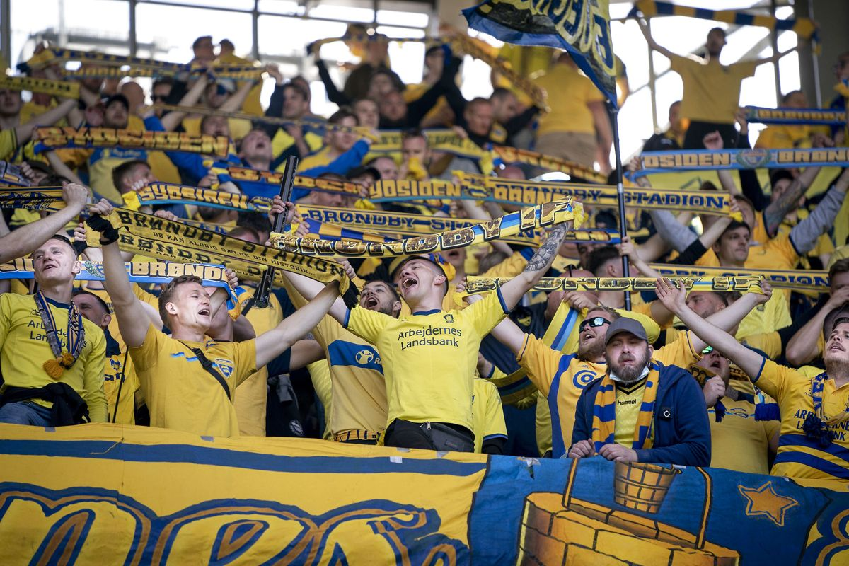 Snart kan fans juble sammen på et fyldt stadion igen. Foto: Liselotte Sabroe/Ritzau Scanpix