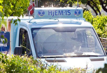Smarties-isen blev solgt landet over fra Hjem-IS biler som denne. Foto: Mads Jensen/Ritzau Scanpix