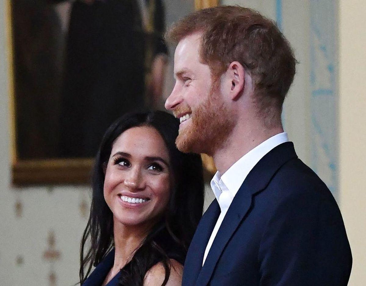 Ifølge en kilde kontaktede Harry og Meghan dronningen som en af de allerførste, da lille lilibet var kommet til verden. Foto: Scanpix/JULIAN SMITH / POOL / AFP)