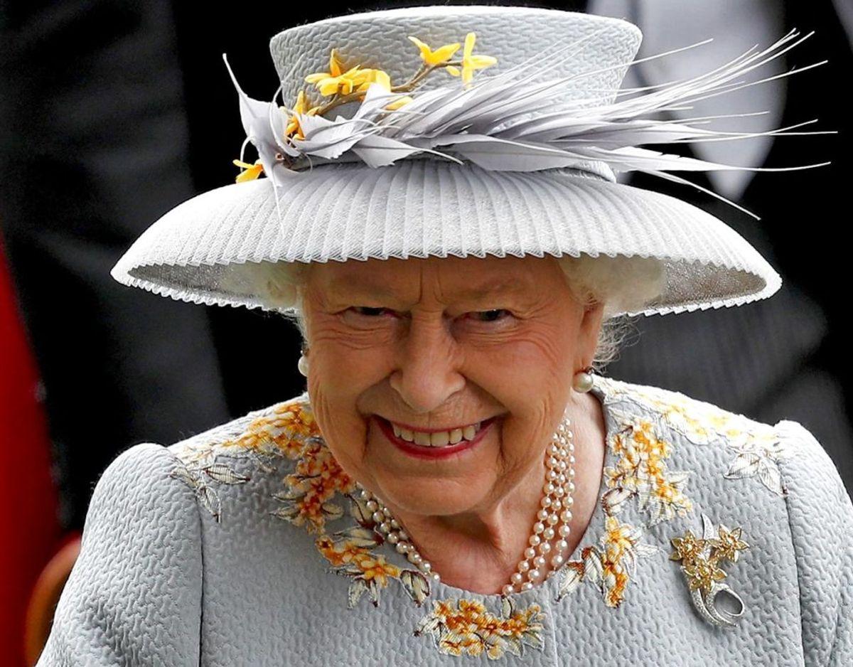 Dronningen skulle angiveligt have parkeret alle stridigheder med Harry og Meghan for i stedet at glæde sig blot over igen at være blevet oldemor. Foto: Scanpix/Adrian DENNIS / AFP