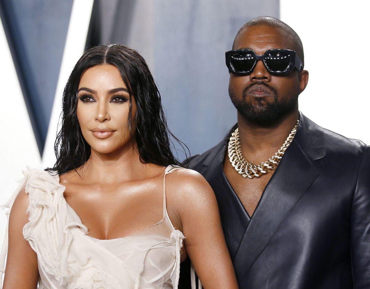 Kim Kardashian er i øjeblikket ved at lade sig skille fra sin mand gennem syv år, rapperen Kanye West. Parret har fire børn. Foto: Scanpix/REUTERS/Danny Moloshok