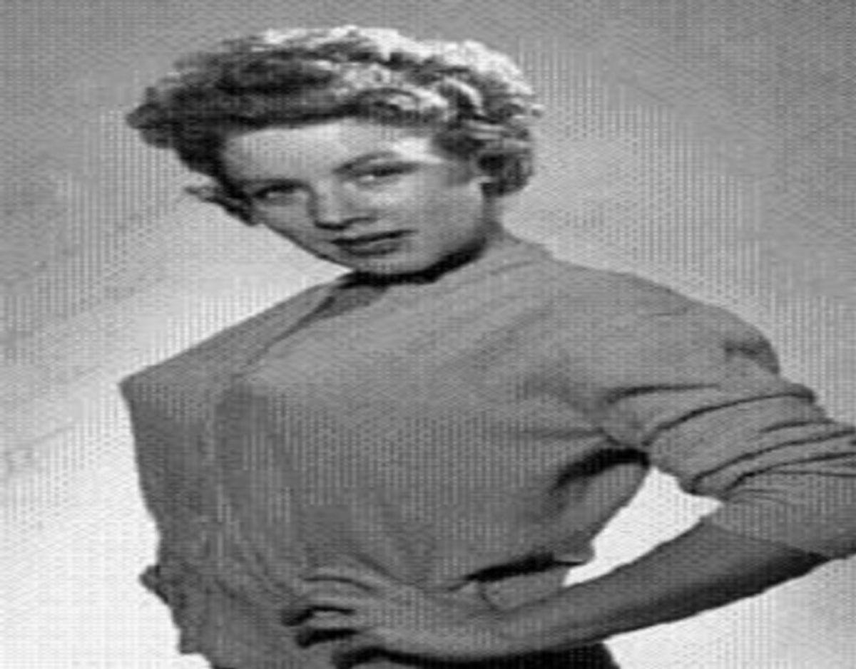 Claudia Barrett, som er mest kendt for sin femme fatale-rolle i science fiction filmen 'Robot Monster', er død i en alder af 91 år. Foto: Wiki Commons