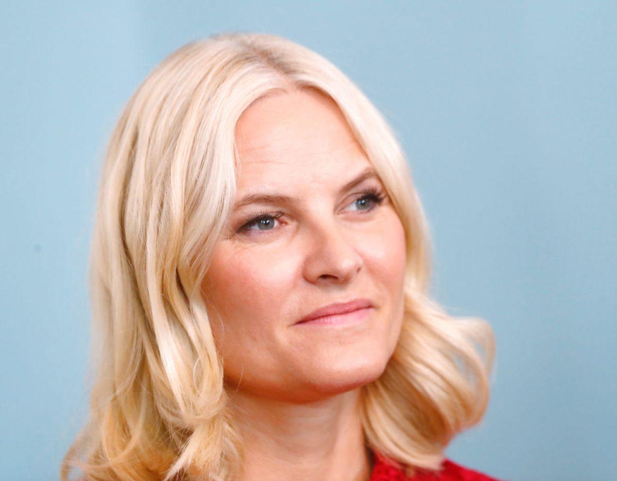 Kronprinsesse kalder de nye oplysninger om hadbesked til og trusler mod de overlevende fra Utøya masskaren overordentlig skammende. Foto: Scanpix/REUTERS/Ints Kalnins