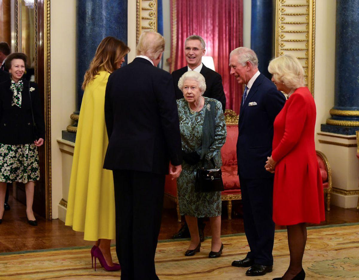 Så sent som i december 2019 havde majestæten besøg af Donald og Melania Trump. Foto: Scanpix/Geoff Pugh/Pool via REUTERS