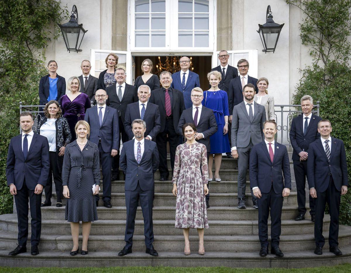 Kronprinsparret sammen med blandt andre udenrigsministre fra Danmark, Estland, Letland og Litauen. Foto: Mads Claus Rasmussen/Ritzau Scanpix