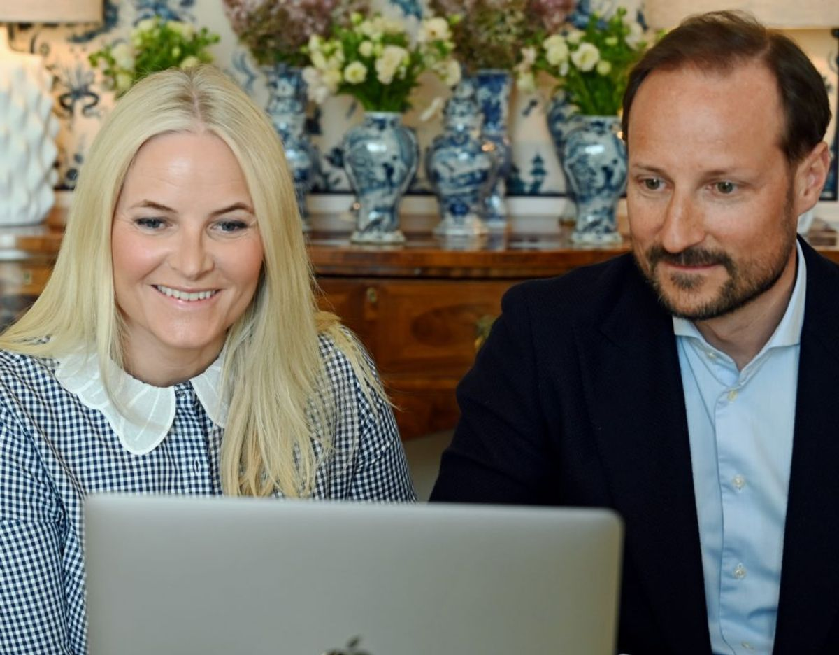 Kronprins Haakon og kronprinsesse Mette-Marit var med fra Skaugum cirka 20 kilometer sydvest for Oslo. Foto: Sven Gj. Gjeruldsen, Det kongelige hoff