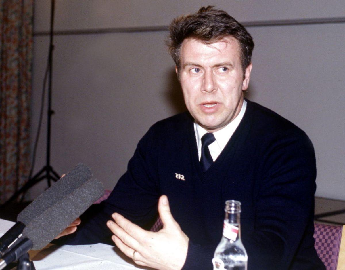 SAS-pilot Stefan Rasmussen holder pressemøde efter nødlandingen udenfor Stockholm. KLIK VIDERE OG SE HVORDAN HAN SER UD I DAG. Arkivfoto: Ritzau Scanpix.
