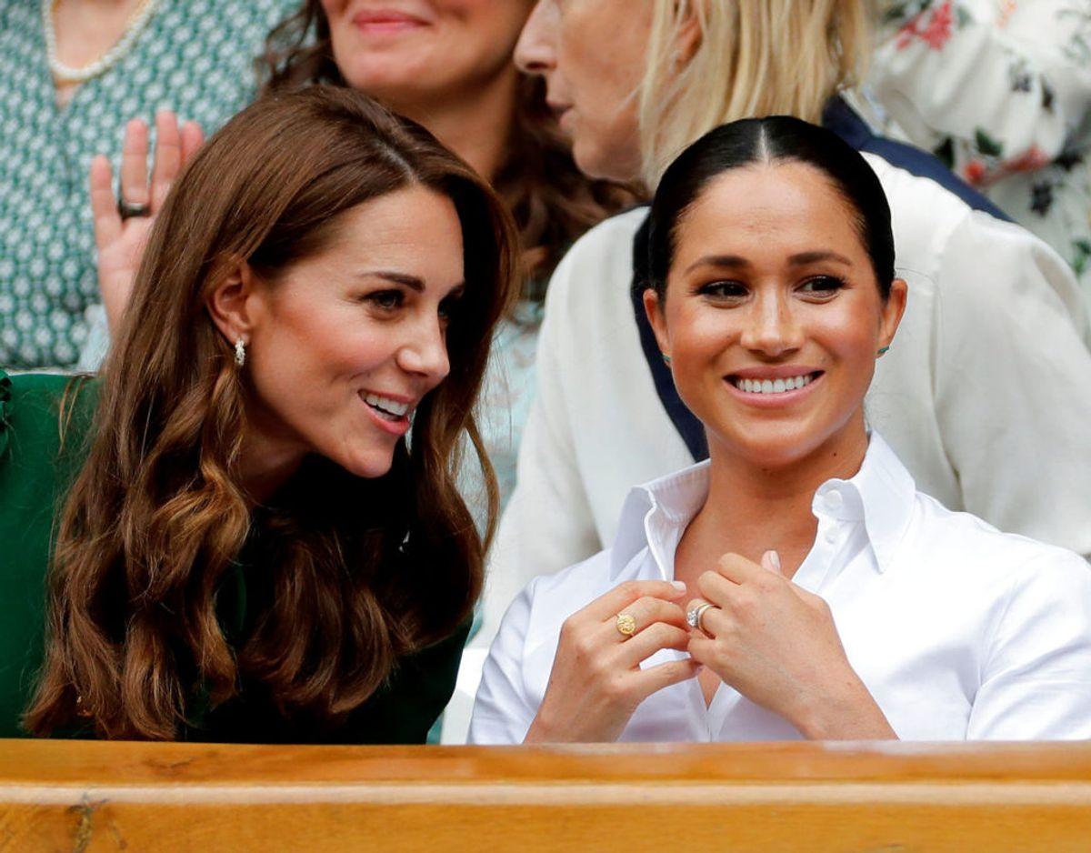 Meghan og Kate ses her sammen på tilskuerpladserne ved Wibledon i 2019. Klik videre for flere billeder. Foto: Scanpix/Ben Curtis/Pool via REUTERS