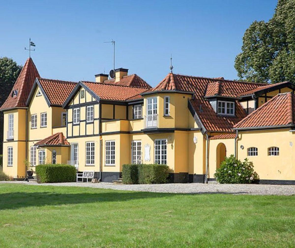 Sådan ser det ud, Øxenholm. Fotos: Ejendomsmægler Irving Jensen & Co.