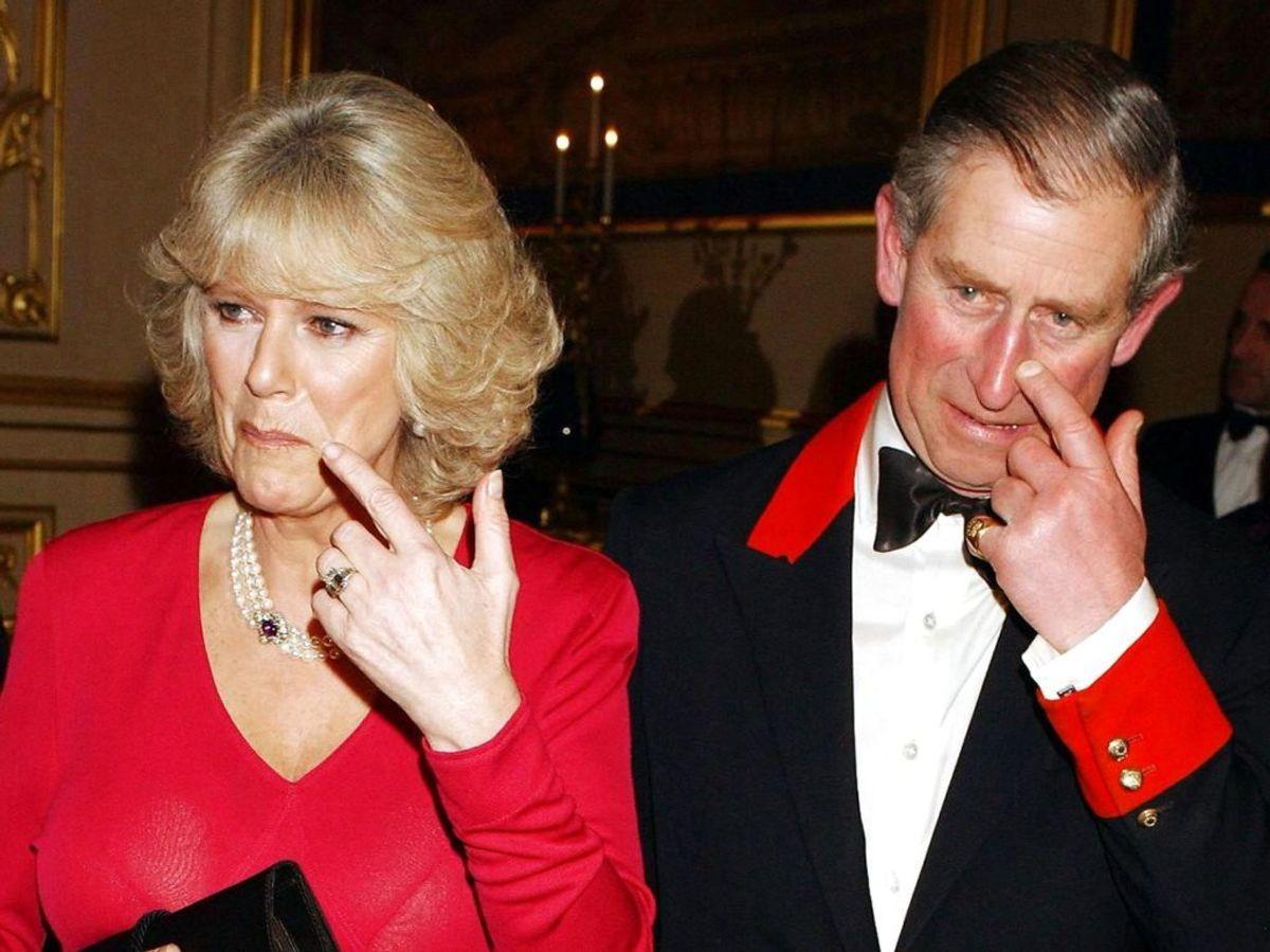 Senere er det kommet frem, at prins Charles hele tiden havde et forhold til Camilla Parker Bowles, som han giftede sig med senere. Foto: REUTERS/John Stillwell/Pool