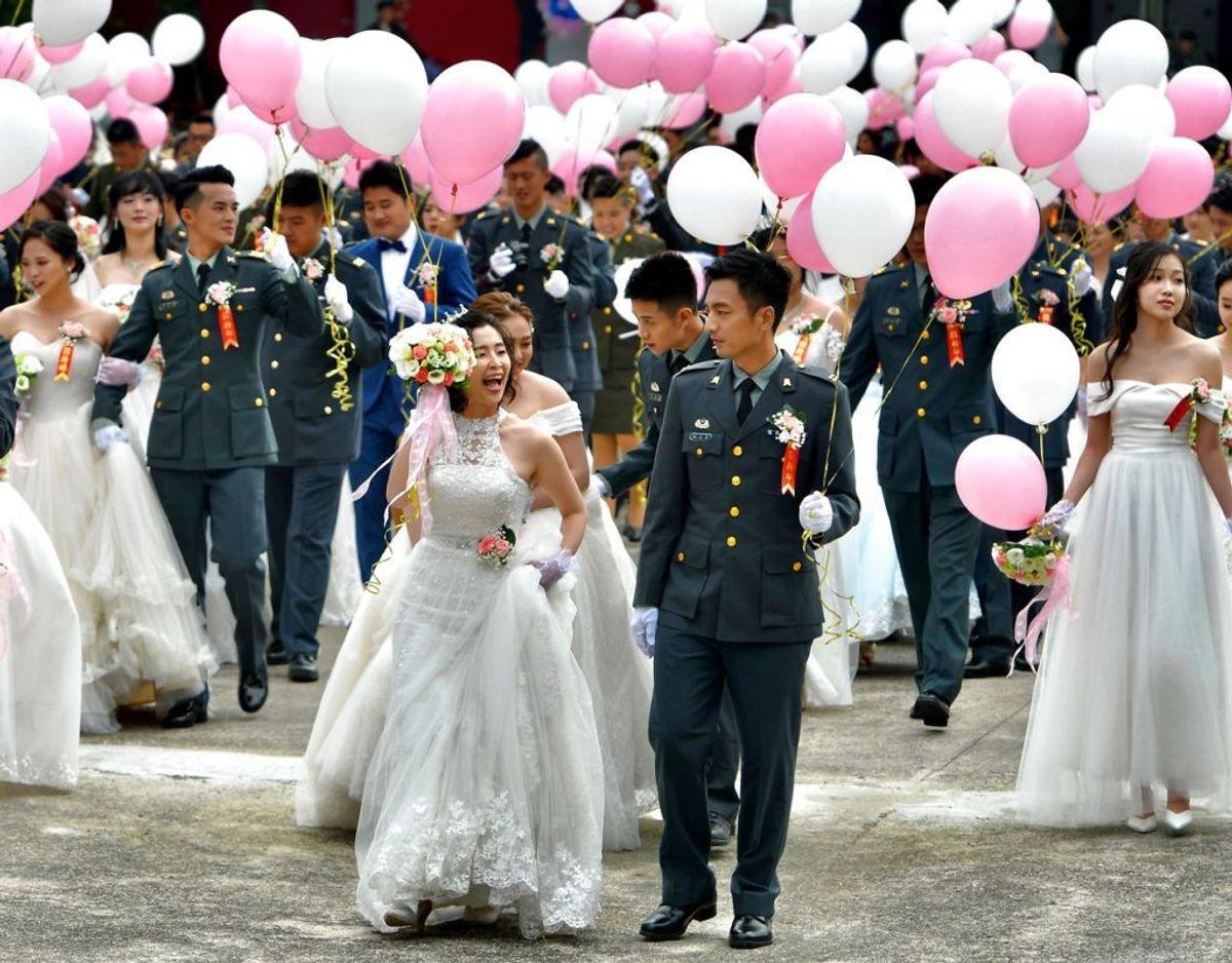 188 par blev gift ved en stor fælles ceremoni i Taiwan. foto: Sam Yeh / Scanpix