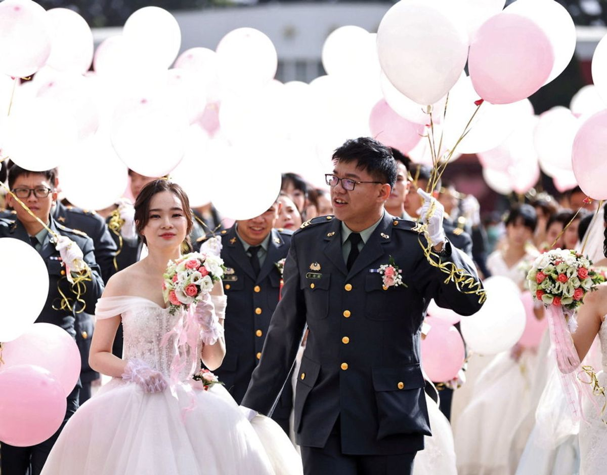 188 par blev gift. Foto: Scanpix/Ann Wang