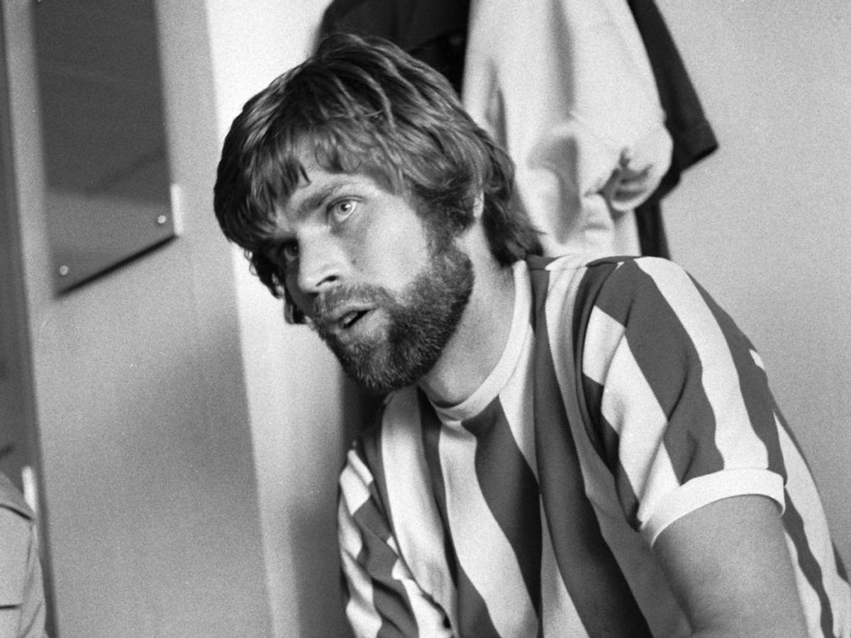 Finn Laudrup er en del af en af Danmarks mest kendte fodbold-familier. Klik igennem galleriet for at se Finn sammen med sine to sønner. Foto: Aage Sørensen / SCANPIX
