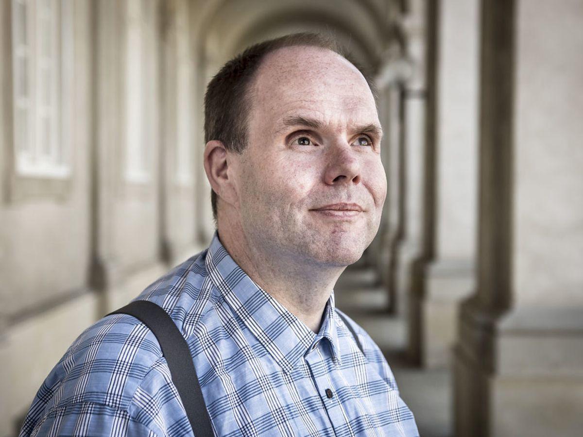 Til trods for at være blind kom Thorkild Olesen igennem em universitetsuddannelse og har dedikeret mange år til kampen for handikappede. Foto: Mads Claus Rasmussen / SCANPIX