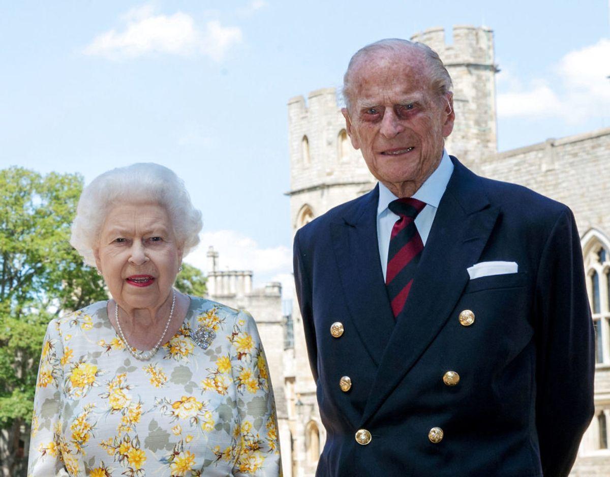Dronning Elizabeth har siden Storbritannien lukkede ned på grund af corona-krisen tilbage i marts måned været i isolation sammen med prins Philip på Windsor Castle. Klik videre i galleriet for flere billeder. Foto: Scanpix/Steve Parsons/PA Wire/Pool via REUTERS