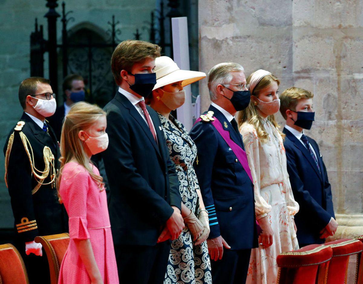 Den kongelige familie ved mindehøjtidelighede for belgiens corona-ofre. Fra venstre er det prinsesse Eleonore, prins Gabriel, dronning Mathile, kong Philippe, kronprinsesse Elisabeth og prins Emmanuel. Klik videre i galleriet for flere billeder. Foto: Scanpix/REUTERS/Francois Lenoir